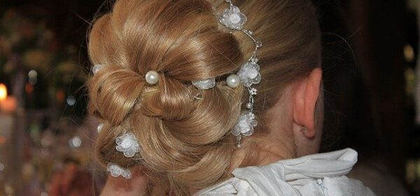 Easy Ways to Create Different Updo Hairstyles